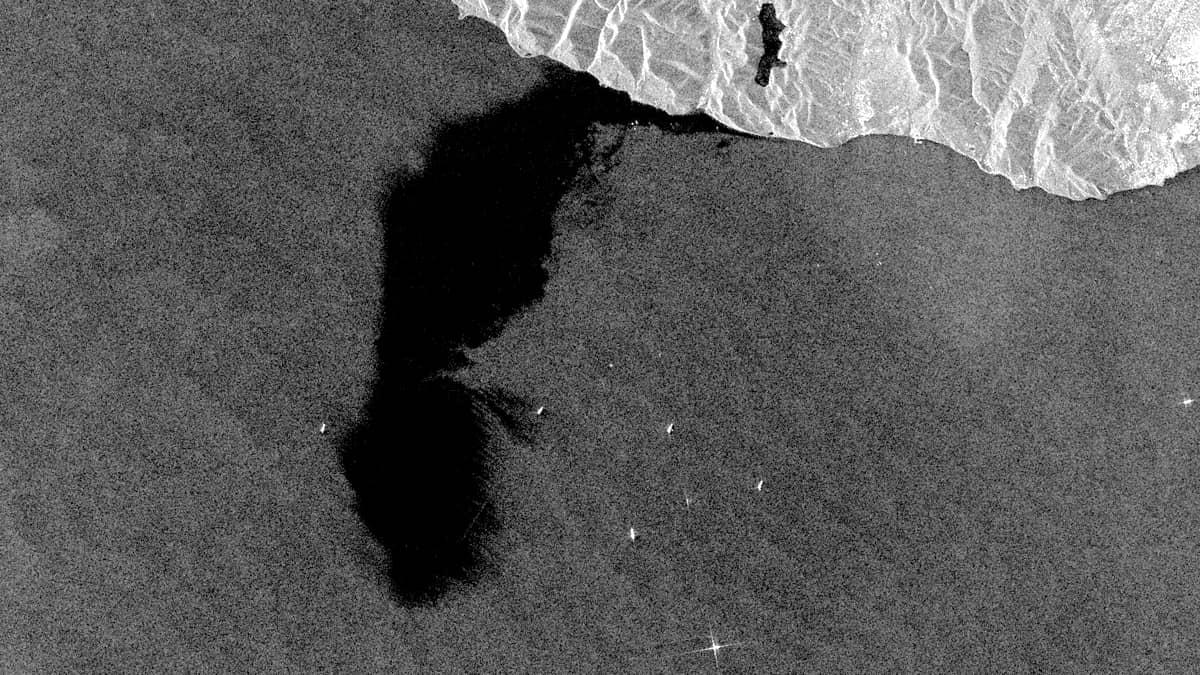 Oil spill in the Black Sea